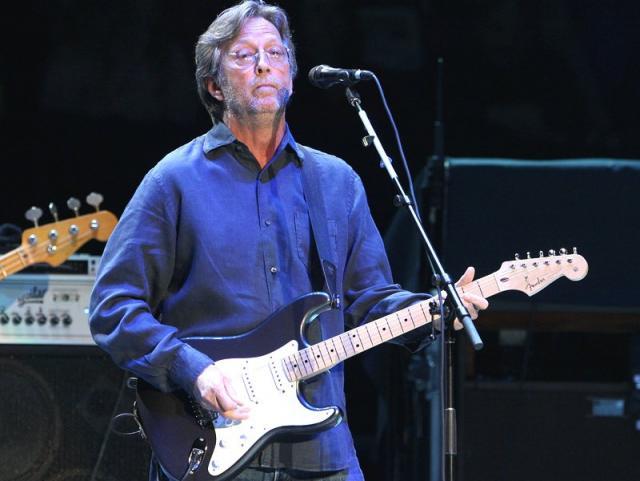 Eric Clapton pregăteşte primul său album de Crăciun