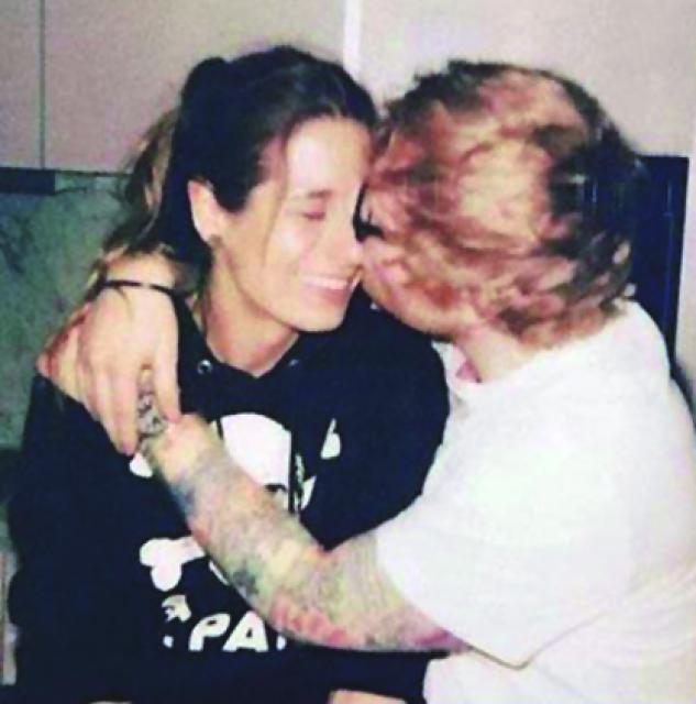Ed Sheeran s-a căsătorit în secret cu iubita lui, Cherry Seaborn