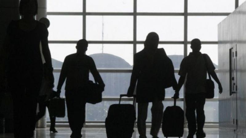 În anul 2017 la fiecare trei minute, un român a emigrat în altă ţară