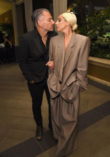 Lady Gaga a confirmat logodna cu Christian Carino