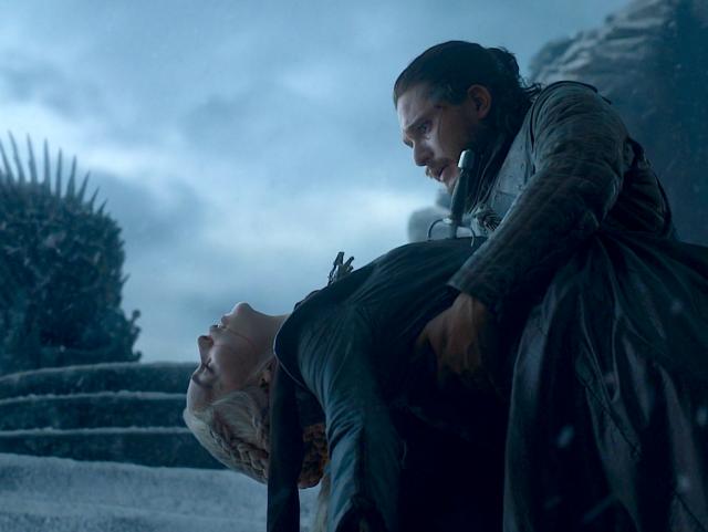 """""""Urzeala tronurilor"""" la final. Mesaje emoţionante de adio"""