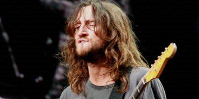 Chitaristul John Frusciante va reveni în trupa Red Hot Chili Peppers