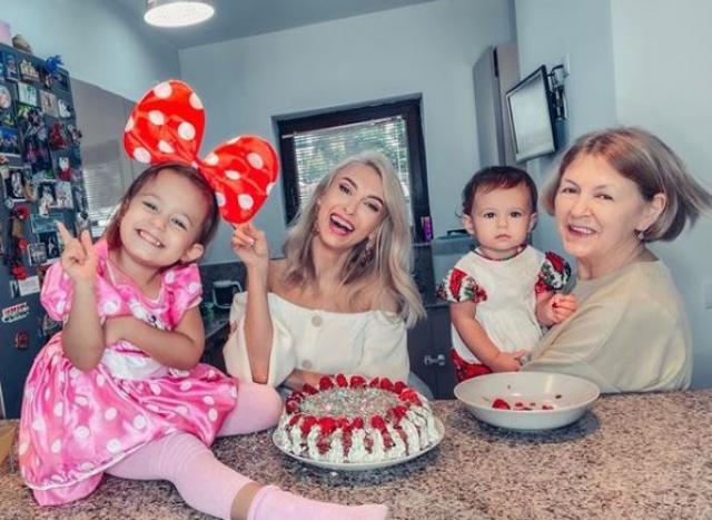 Andreea Bălan: Nu mi-am dorit să fiu o mamă singură