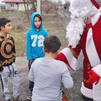 6000 de copii din familii nevoiașe din județul nostru s-au întâlnit azi cu Moș Crăciun